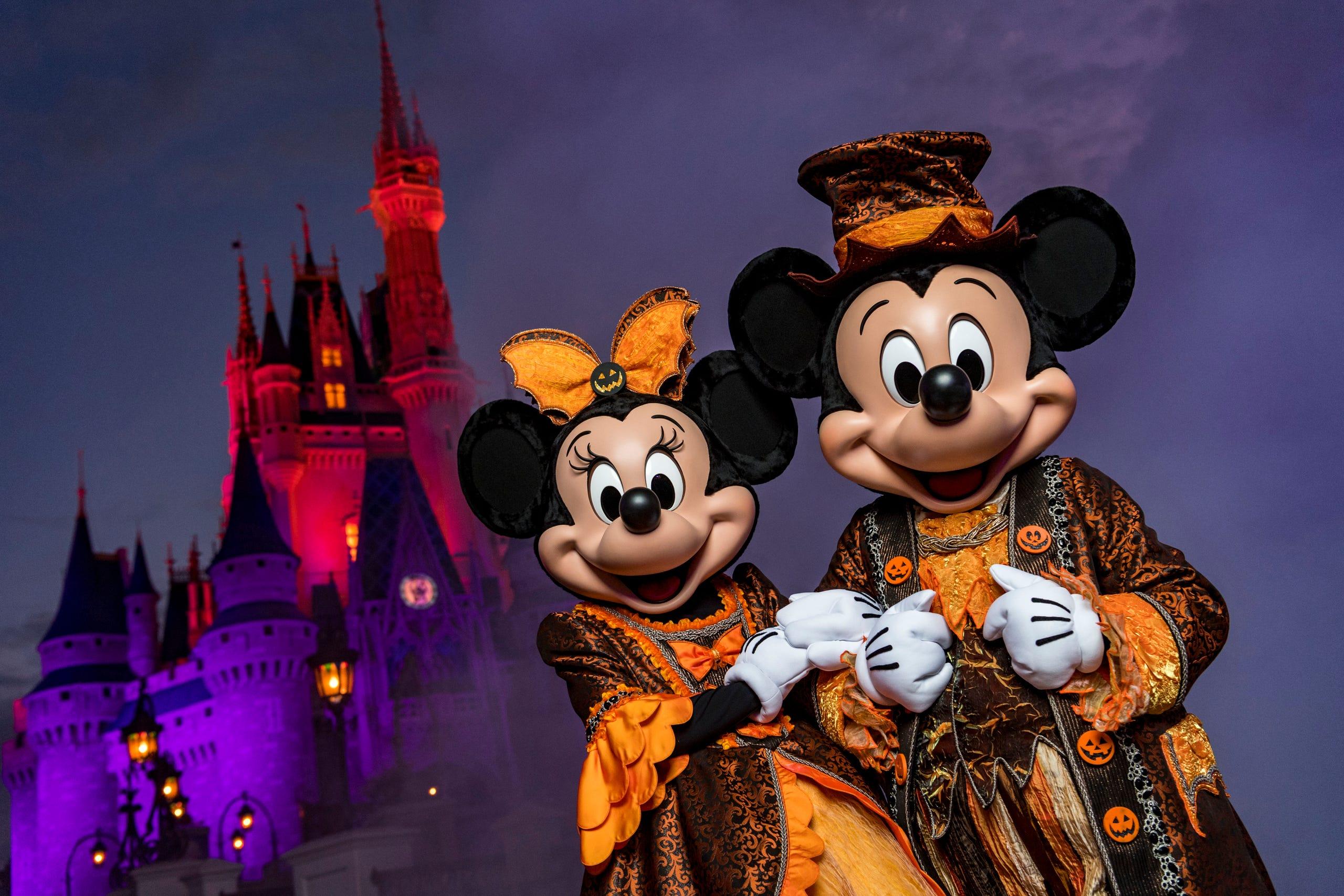 Disneyland Halloween Preveiw 2020 Halloween 2019 preview: Disney World, Disneyland and Universal Studios