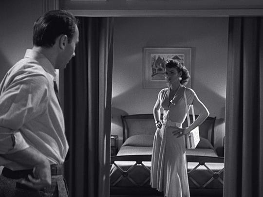 """Richard Kiley and Jean Peters in """"Pickup on South Street."""""""