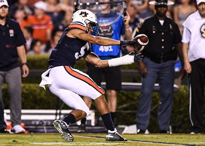 Auburn wide receiver Anthony Schwartz (5) makes a catch against Kent State on Saturday, Sept. 14, 2019, in Auburn, Ala.