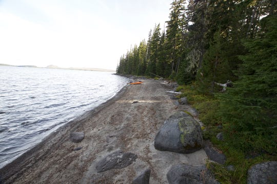 A long sandy beach at Waldo Lake.