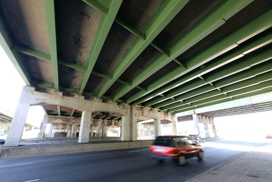 Cars travel southbound on Central Park Avenue in Yonkers, under the Cross County Parkway, Sept. 17, 2019.