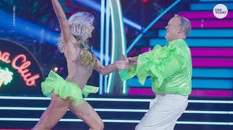 """Sean Spicer dazzled in a fluorescent shirt and Sailor Brinkley-Cook filled in for her injured mom in the """"Dancing with the Stars"""" season premiere."""