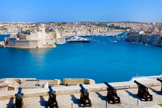 These massive harbor walls, lined with cannons, held off 40,000 Ottoman soldiers during the 1565 siege of Malta.