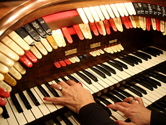 The Mighty Wurlitzer is the theater's second organ, installed during the Palace's grand renovation in the 1970s.