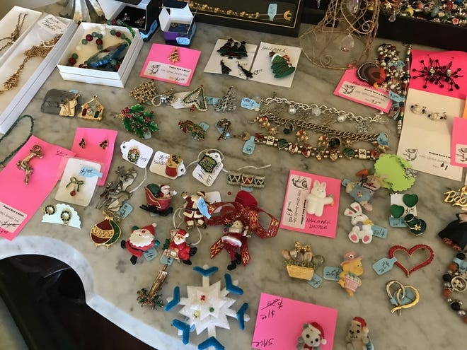 Jewelry sold by Kitty Glitter, an annual fundraiser, that raises money for local animal welfare nonprofits dedicated to cats — rescue, spay/neuter, transport, and adoption, was stolen at the end of August. Volunteers are now asking for donations.