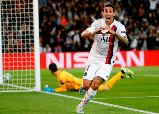 El argentino Ángel Di María celebra uno de sus goles.