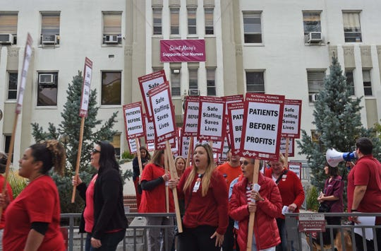 Nurses picket in front of the St. Mary's in Reno on Wednesday morning Sept. 18, 2019