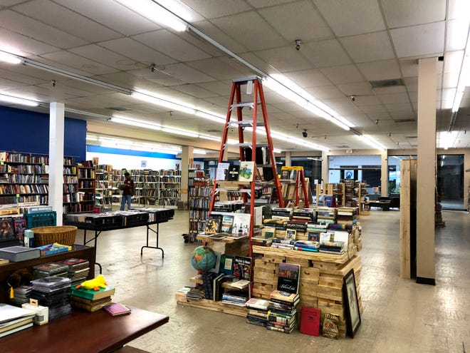 Know Knew Books just opened up in Staunton Mall next to JC Penney. The bookstore offers discount books, magazines, CDs, DVDs and more.
