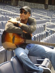 Bernie Williams will play a concert at the Rockland Music Conservatory to benefit the program.
