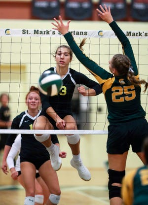 Padua's Mackenzie Sobczyk (center) is one of the state's top offensive threats for the third-ranked Pandas.