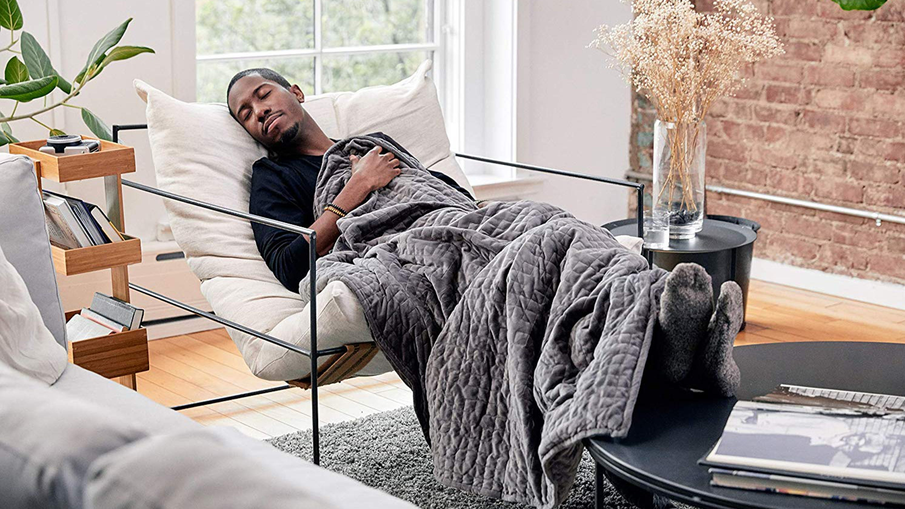 The best weighted blanket is down to its lowest price ever—just in time for fall