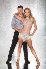 """Nick Lachey and Peta Murgatroyd on """"Dancing With The Stars"""" in 2017."""
