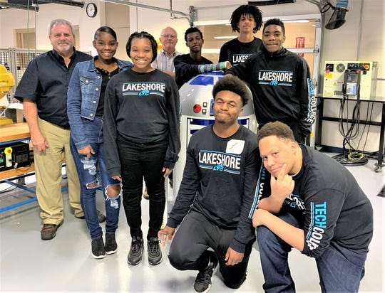 Milwaukee high school students and advisers are learning about Fanuc robots thanks to a new relationship with Lakeshore Technical College.