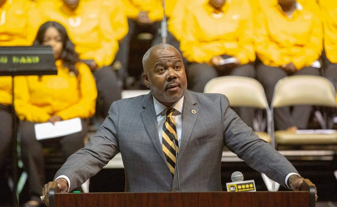 ASU President Quinton Ross covers a variety of topics during the school's annual convocation at the Dunn-Oliver Acadome.