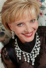 The late Florence Henderson, the original Mrs. Brady
