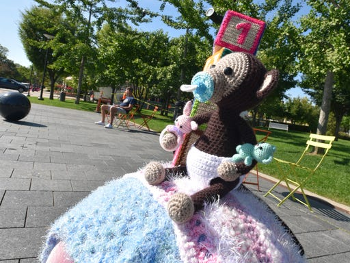 Christmas Yarn Bombing.Birmingham In Stitches After Being Bombed With Yarn Art At