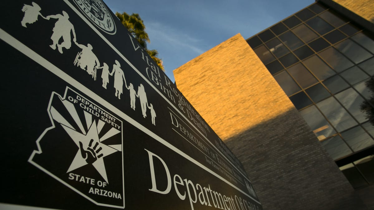 Audit: Arizona Department of Child Safety doesn't give foster parents information needed to keep kids safe