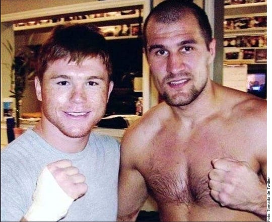 Esta es la foto original que años atrás se tomaron 'Canelo' y Kovalev.