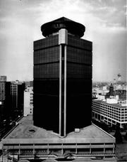 First Federal Plaza and its flying saucer-shaped penthouse, circa 1978.