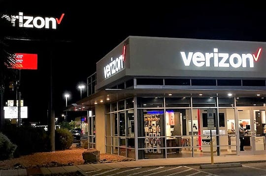 A Verizon store in East El Paso.
