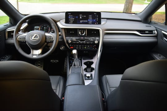 Lexus RX 350's horizontal display hovers above the instrument panel.