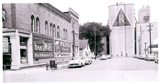Rahr Malting tower in downtown Manitowoc (undated).