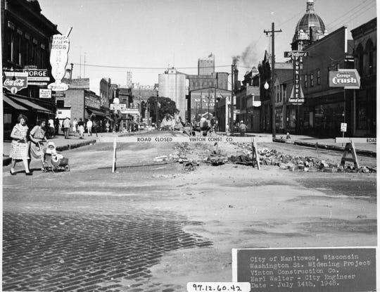 Washington Street in downtown Manitowoc on July 14, 1948.