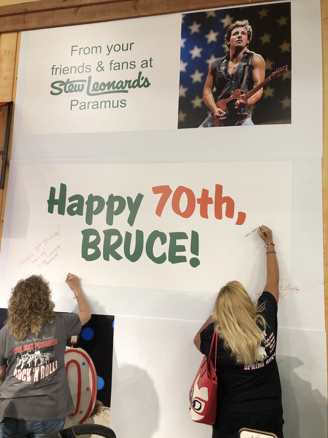 Admirable Bruce Springsteen Fans Sign Big Birthday Card At Stew Leonards Funny Birthday Cards Online Bapapcheapnameinfo