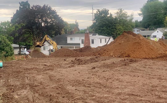 Construction is underway on a 15-lot subdivision project on Madrona Ave. SE, just east of the intersection with 12th Street SE in Salem, Oregon.