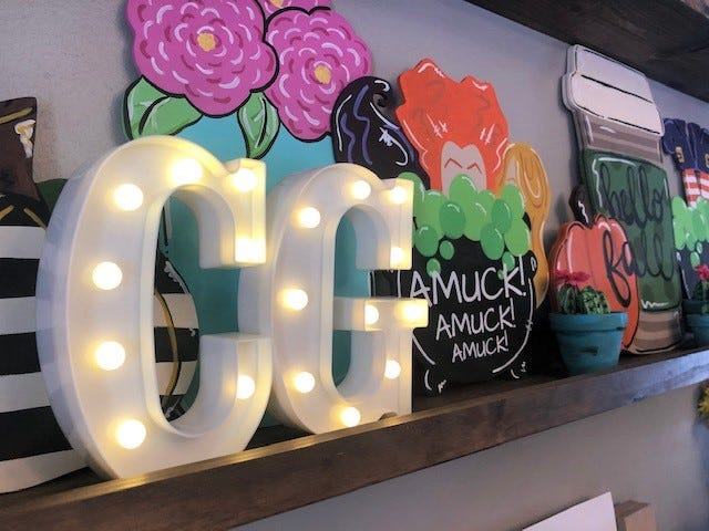 Cracked Ginger hosts mobile paint parties and also creates and sells boutique t-shirts and home decor.