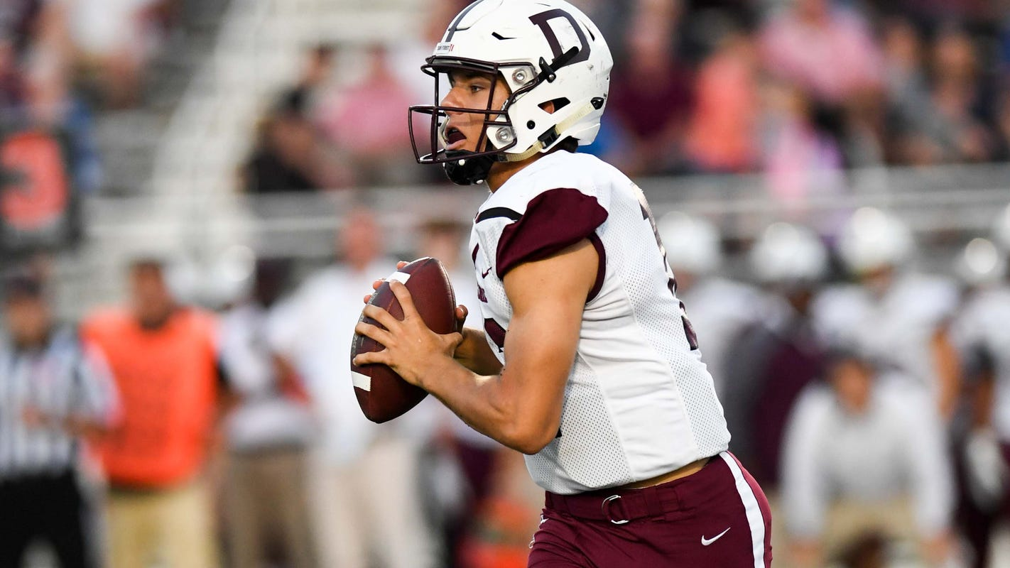 WATCH LIVE: Des Moines Hoover vs. No. 4 Dowling Catholic