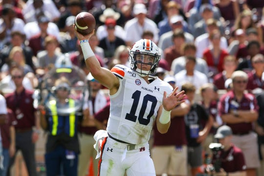 Auburn quarterback Bo Nix (10) throws a pass during the first quarter against the Texas A&M at Kyle Field.