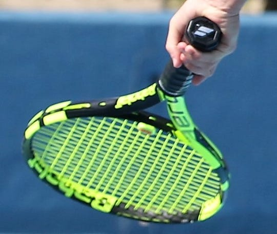 Tennis racquet image