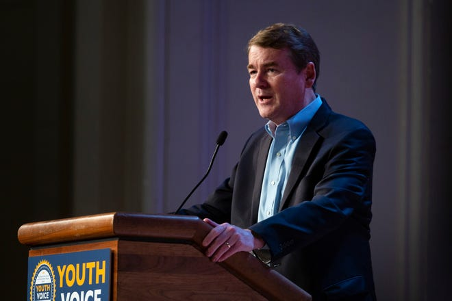 2020 presidential candidate and U.S. Sen. Michael Bennet (D-Colo.) speaks on Sept. 22, 2019 at Roosevelt High School in Des Moines.