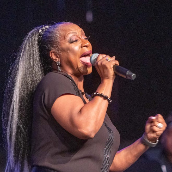 Regina Belle will perform as part of the Cincinnati Music Festival Virtual Experience.