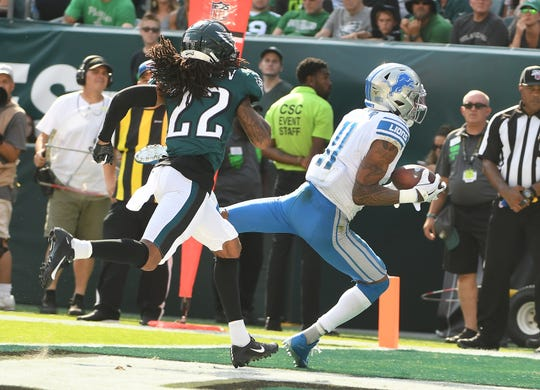 Lions wide receiver Marvin Jones Jr. hauls in the winning touchdown at the start of the fourth quarter.