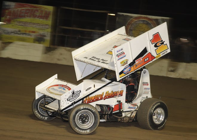 Tim Shaffer wins on the first night of the Jim Ford Classic.