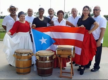 Taller Balancé shows their pride for Puerto Rico with their flag and their dance.