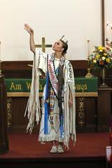 Princess Sara Wright preformed the Lord's Prayer.