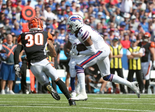 Bills receiver Zay Jones catches a pass against the Bengals. Jones was traded to the Raiders last week.