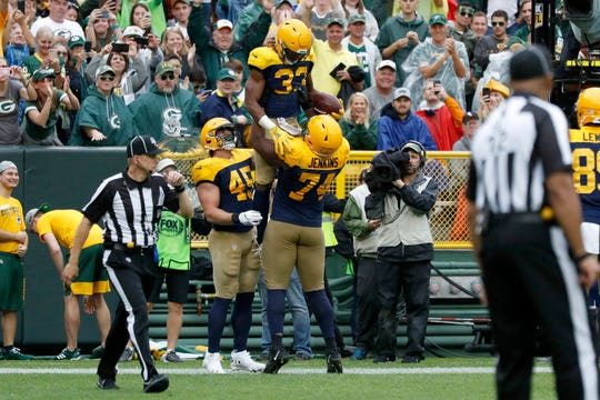 competitive price ddd7b 9545d El Paso's Aaron Jones helps lead Green Bay to win against Denver