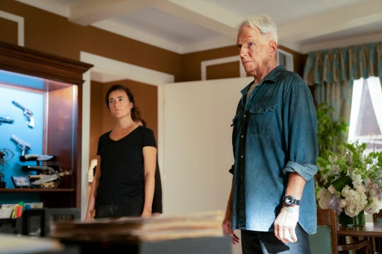 Ziva David (Cote de Pablo) and her former NCIS boss, Leroy Jethro Gibbs (Mark Harmon), are on the run from killers as they seek information on the whereabouts of the mysterious woman behind a plot against Ziva on the Season 17 premiere of CBS' 'NCIS.'