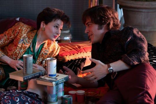 """Judy Garland (Renee Zellweger) begins a romance with entrepreneur Mickey Deans (Finn Wittrock) in """"Judy."""""""