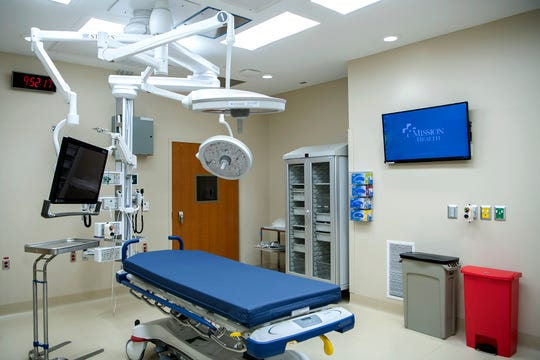 "Two organ procurement agencies, LifeShare of the Carolinas and Carolina Donor Services, work with mountain hospitals to coordinate the donation process and work to increase the number of registered donors. ""Typically, once a patient is identified as a donor, specialized teams from transplant centers in the state come to the local hospital to assist with the donation,"" said Dr. William Hathaway, chief medical officer at Mission Hospital. ""At this time, no organ transplantation is being performed in the area."""