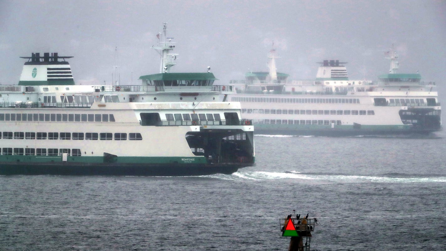Dumping diesel: With a shift to electric ferries, a robot might soon be charging your ride
