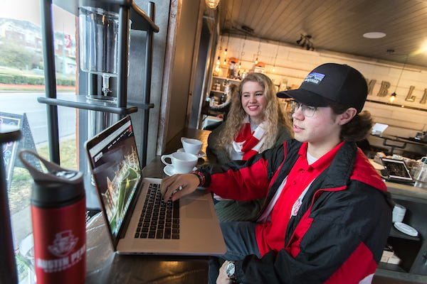 APSU students work on an online course at a local coffee shop.