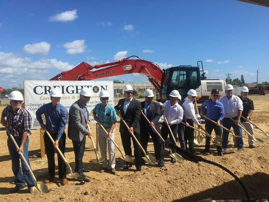 Lucky's Market breaks ground in Cape Coral