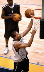Former Memphis Grizzlies player Andre Emmett was shot and killed on Monday in Dallas.