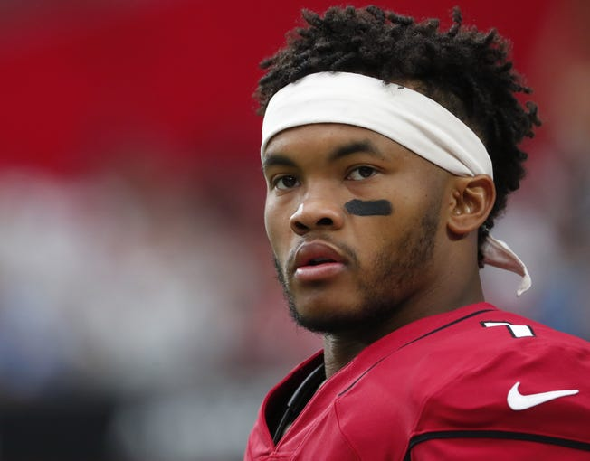 Arizona Cardinals quarterback Kyler Murray (1) waits to play against the Carolina Panthers at State Farm Stadium September 22, 2019.