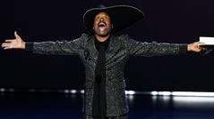 LOS ANGELES, CALIFORNIA - SEPTEMBER 22: Billy Porter accepts the Outstanding Lead Actor in a Drama Series award for 'Pose' onstage during the 71st Emmy Awards at Microsoft Theater on September 22, 2019 in Los Angeles, California. (Photo by Kevin Winter/Getty Images) ORG XMIT: 775393478 ORIG FILE ID: 1176457945